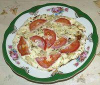 Омлет с помидорами и луком